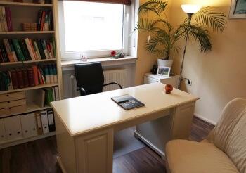 Bild Schreibtisch - Heilpraktikerin N. Wagensommer